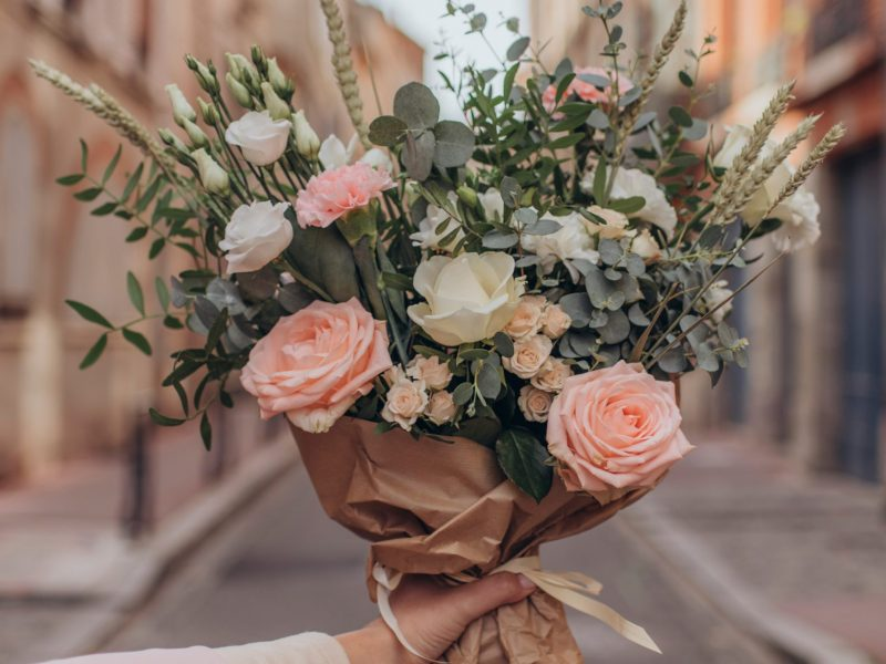 La livraison de fleurs à domicile: Acheter et expédier pour votre être cher